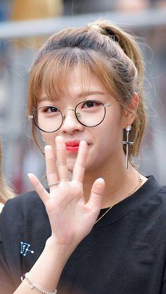 Nayeon, Twice Jungyeon, Twice Korean, Twice Fanart, Korea Style, Japanese Names, Reality Tv Shows, Korea Fashion, Best Songs