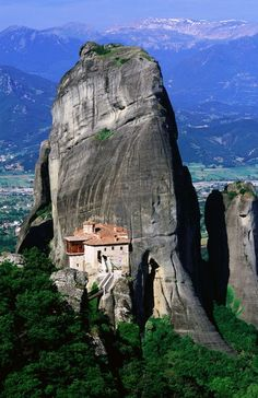 Rousanou Monastery - Meteora, Greece: DONE!  An amazing building in construction & history