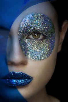 I luv the glittery, blue, lipstick. circle eye glitter...a little weird. www.kinkyparadise.nl