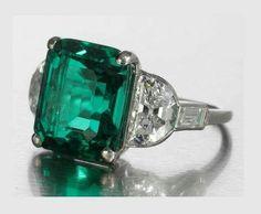 Solo mio anillo de diamantes y esmeraldas ❤️