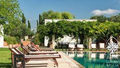 Masseria-Puglia-swimming
