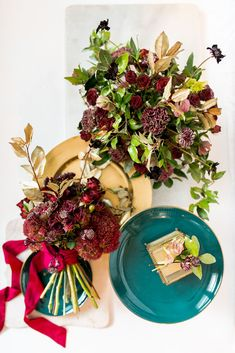 Merlot and teal make such an interesting color combo, and I love the way the backs of this greenery gives off a golden shimmer when photographed. Another beautiful flat lay by 😍 Scabiosa Flowers, Blush Flowers, Diy Flowers, Colorful Flowers, Budget Wedding Flowers, Wedding Flower Arrangements, Wedding Bouquets, Burgundy Wedding Colors, On Your Wedding Day