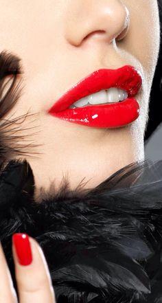 Modelle, Make-up & Parfüm - Lip Art - Lipstick Colors, Red Lipsticks, Lip Colors, Red Lip Makeup, Eye Makeup Art, Lip Art, Perfect Red Lips, Kissable Lips, Models Makeup