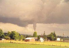 Funnel cloud over Aumsville Oregon. Splash Park, Oregon Living, State Of Oregon, Emergency Management, Tornadoes, New Journey, Skate Park, Pacific Northwest, Rain