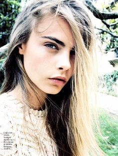 Cara Delevigne for Vogue Spain January 2013 Quentin De Briey (Photographer)  source: http://faystyle.com