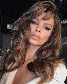Cool Hair Color, Hair Colors, Emily Ratajkowski Make Up, Sexy Make-up, Color Rubio, Brunette Hair, Brunette Makeup, Haircut Styles, Makeup Looks