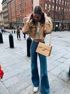 outfit goals I'm A Flared-Jeans Addict Buying Cycling Jerseys, Shoes And Other Bike Clothing Online Smart Casual Work Outfit, Casual Mode, Cute Casual Outfits, Trendy Winter Outfits, Casual Wear Women, Autumn Outfits, Outfit Winter, Men Casual, Adrette Outfits