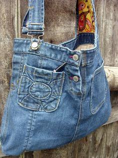 DIY ideas for old jeans: bag made of jeans- DIY-Ideen für alte Jeans: Tasche aus Jeans DIY ideas for old jeans: bag made of jeans - Refaçonner Jean, Jean Diy, Artisanats Denim, Denim Purse, Denim Art, Jeans Recycling, Reuse Jeans, Jeans Refashion, Denim Handbags