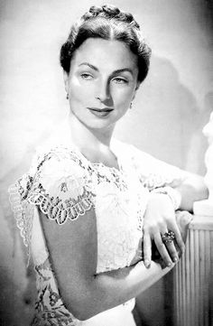 Agnes Moorehead - 1940's Agnes Moorehead, Old Hollywood, Close Up, One Shoulder Wedding Dress, Actresses, Wedding Dresses, Fashion, Female Actresses, Bride Dresses