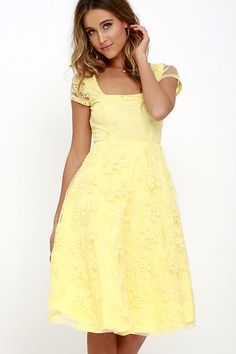 Feel the sun on your face as you take a twirl in the Sunny Feeling Yellow Lace Midi Dress! Floral embroidery (over sheer mesh) covers a short sleeve bodice with squared-off neckline and princess seams. Fitted waist leads to a full midi skirt with a layer of tulle. Back cutout with top button. Hidden back zipper.
