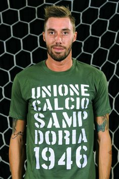 "Fiorillo wears T-Shirt ""1946"""