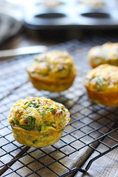 On-the-go breakfast muffins are a quick and easy way to get your eggs to go. Loaded with bacon bits, cheddar cheese and spinach! Breakfast Bites, Breakfast On The Go, Breakfast Muffins, Paleo Breakfast, Best Breakfast, Breakfast Casserole, Breakfast Recipes, Savory Muffins, Bacon Bits