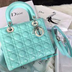 Dior Bag for sale Dior Purses, Dior Handbags, Purses And Handbags, Dior Bags, Unique Handbags, Popular Handbags, Trendy Handbags, Fashion Week, Fashion Bags