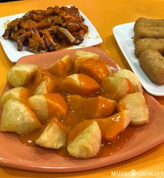 las autenticas patatas bravas con la salsa original de Las Bravas Churros, Eurotrip, Salsa, Pork, Ethnic Recipes, Sweet, Places, The World, Yummy Recipes