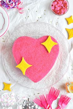 Emoji Pink Sparkly Heart Party Cake - Emoji cake ideas and dessert inspiration f. Emoji Theme Party, Refrigerated Cookie Dough, Emoji Cake, Cool Emoji, Pink Food Coloring, Bolo Cake, Heart Emoji, Pink Foods, Heart Party