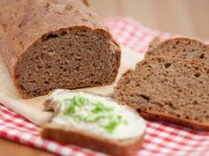 Forscher der Hochschule Fulda haben ein Brot entwickelt, das nicht nur krustenfrei ist, sondern auch gehaltvoll an Ballast- und Mineralstoffen.