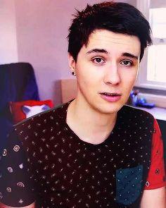 dan with shorter hair (tbh any hair suits him perfectly)>>> Hobbit hair, fringe, I could go on and on>>> THE SWOOP QUIFF THING Daniel James Howell, Dan Howell, Mikey Murphy, Phan Is Real, Dan And Phill, Phil 3, Danisnotonfire And Amazingphil, Phil Lester, Tyler Oakley