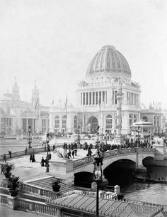 The 1893 World's Columbian Exposition grounds were truly magnificent. Artists & architects followed guidelines: classical Greek style, no taller than 60 ft., & all buildings were to be painted white.