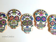 I've had lots of requests for sugar skull cookies lately for the upcoming Day of the Dead holiday, and it's been on my list of designs to try ever since seeing Cupookie's version a couple of years ago. I don't know … Continue reading →
