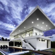GM1 House | by Giovanni Moreno Arquitectos Girardot, Colombia  Who wants this beautiful house?☺️☺️