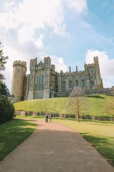 The Magnificent Arundel Castle… In West Sussex, England The Magnificent Arundel Castle. In West Sussex, England Arundel Castle, Castles To Visit, England Countryside, Castles In England, England Houses, Sweden Travel, Travel Uk, Luxury Travel, English Castles