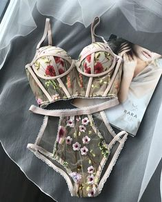 45 Hot Trends Wedding Lingerie 2019 – My Wedding Ideas Lingerie Outfits, Pretty Lingerie, Beautiful Lingerie, Lingerie Set, Women Lingerie, Elegant Lingerie, Lingerie Styles, Delicate Lingerie, Luxury Lingerie