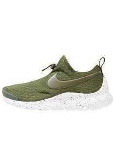 abb316daca ¡Consigue este tipo de zapatillas bajas de Nike Sportswear ahora! Haz clic  para ver