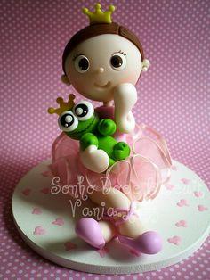 Topo de bolo para comemoração de um aninho da Princesa Sara *Ü* by Sonho Doce Biscuit *Vania.Luzz*, via Flickr
