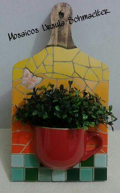 Tablas Pebble Mosaic, Mosaic Wall Art, Mosaic Diy, Mosaic Garden, Mosaic Glass, Mosaic Tiles, Mandala Pattern, Mosaic Patterns, Mosaic Projects