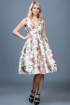 Wholesale In Canada Pleated Midi Dress, Midi Dresses, Party Dresses, Fit N Flare Dress, Online Clothing Boutiques, Floral Prints, Womens Fashion, Woman Style, Ark