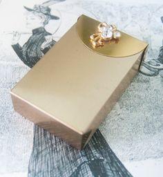 gold cigarette holder. Love