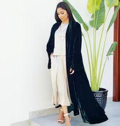 Qabeela SS17  Silk Velvet Classic Style Abaya