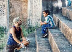 Diosito (Nicolás Furtado) y Pedro Pedraza (Brian Buley) en el patio del penal San Onofre (Foto: Instagram) Foto Instagram, Netflix, Star Wars, Samsung, Patio, Movies, Sentences, Female Dwarf, Display