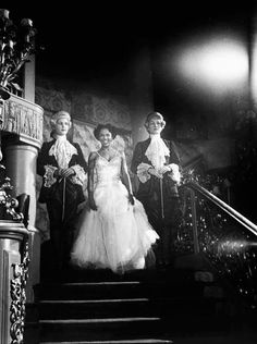 Dorothy Dandridge descends a staircase in a London Nightclub ,1951