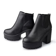 Black Chelsea boots with platform and heels somewhat the same height Ankle Boots, Heeled Boots, Combat Boots, Shoe Boots, Pretty Shoes, Cute Shoes, Me Too Shoes, Look Fashion, Fashion Shoes