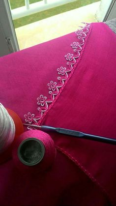 Crochet and Knitting Crochet Edging Patterns, Crochet Borders, Baby Knitting Patterns, Crochet Stitches, Filet Crochet, Crochet Lace, Kutch Work Designs, Saree Kuchu Designs, Bobbin Lace