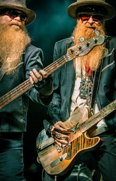 ZZ Top, Billy Gibbons, guitar, guitarist, player, rock, roll, blues, band, music, musician, trio, Dusty Hill, bass, bassist, rhythm, section, Little Band From Texas, power, beard, hat, sunglasses, lights, stage, live, concert