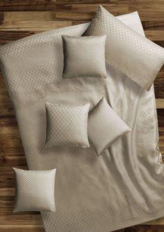 silk-bedware-autumn-2012-cellini-design-seidenbettwaesche-004 #Silk pillow case, bedsheet and duvet cover made in Germany by #Cellini Design. Custom sizes possible. #Seidenbettwäsche aus reiner #Seide von #Spinnhütte Cellini Design aus Deutschland.