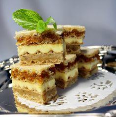 Cooking with Zoki: sitni kolači -Bećari Raw Food Recipes, Sweet Recipes, Baking Recipes, Cake Recipes, Dessert Recipes, Desserts With Biscuits, No Cook Desserts, Just Desserts, Cupcakes