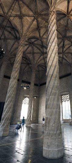 """Contra el """"ruido visual"""" de Calatrava ,Lonja de la seda ,Gótico en la Comunidad Valenciana  Spain"""