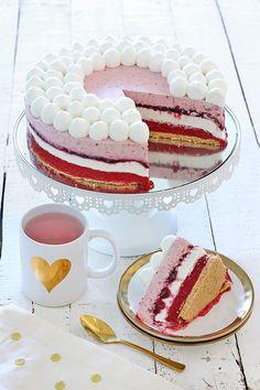 Raspberry summer ice cream cake