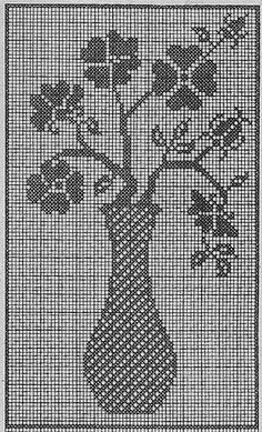 Vase of flowers filet design