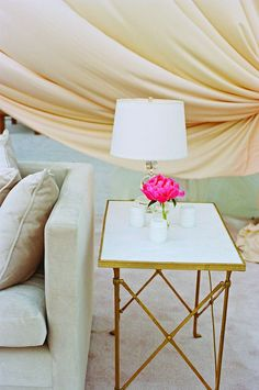 plantation wedding or furniture for your home. i LOVE these five things - couch, table, lamp, flower & linen.