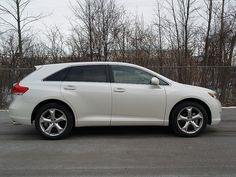 New 2009 Toyota Venza taken in Bay City at Labadie Toyota     http://choxeviet.com/Cho-oto.aspx  http://choxeviet.com/toyota/-i10/venza-j60.aspx