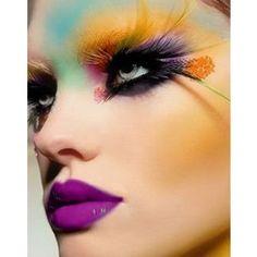 #Floral Peacock Makeup