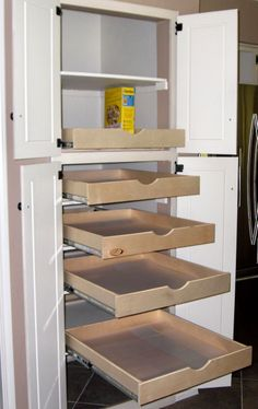 Pull-out pantry drawers