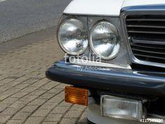 Doppelscheinwerfer, Nebelscheinwerfer und Blinker eines Mercedes R 107 Roadster in US-Version bei den Golden Oldies in Wettenberg