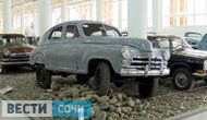 Легендарные  машины  советского периода, в том числе и военных лет, можно увидеть сегодня в Олимпийском парке. В бывшем Доме российского болельщика открылся музей ретро-автомобилей. В экспозиции предс...