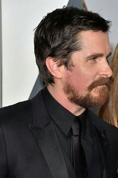 Christian Bale - Oscar 2016 Christian Bale, British Actors, Tom Cruise, Action Movies, Haircuts For Men, Love Of My Life, Beautiful People, Acting, Hair Cuts
