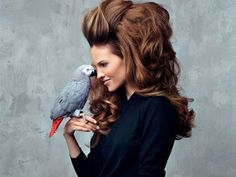 Маски для волос из желатина имеют потрясающий результат, который можно сравнить с ламинированием волос. Желатин покрывает волосы тонкой питательной пленочкой, которая насыщает волосы протеином и восс…